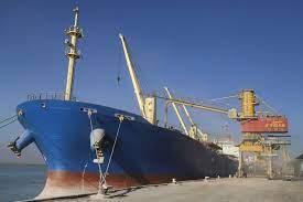 کشتی روغن خام خوراکی در بندر امام پهلو گرفت